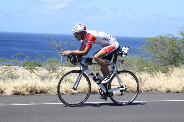Bartłomiej Czyż na malowniczej trasie na Hawajach