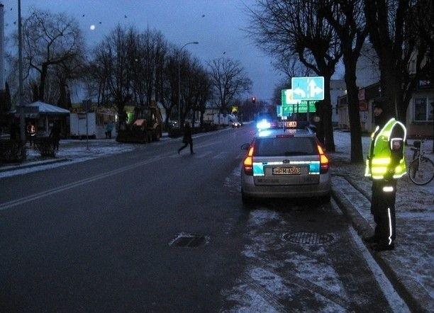 """Działania w ramach akcji """"Błysk"""" prowadzone są na drogach całego powiatu."""