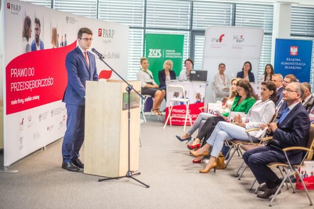 Piotr Müller zaznaczył, że w kontaktach z przedsiębiorcami administracja skarbowa będzie się kierować zaufaniem.