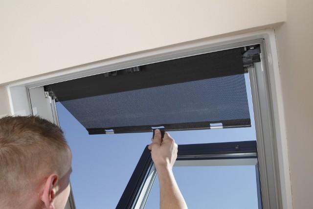 Markizy na okna dachowe - zalety, cena, sposób montażuMarkizy na okna dachowe - zalety, cena, sposób montażu