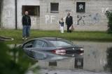 Auto po powodzi. Jak rozpoznać taki samochód?