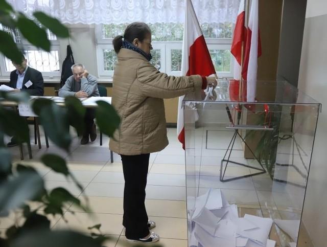 Pierwsi łodzianie oddali swoje głosy w wyborach samorządowych 218.