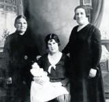 Babcia Anastazja, Kartuzy i wojna