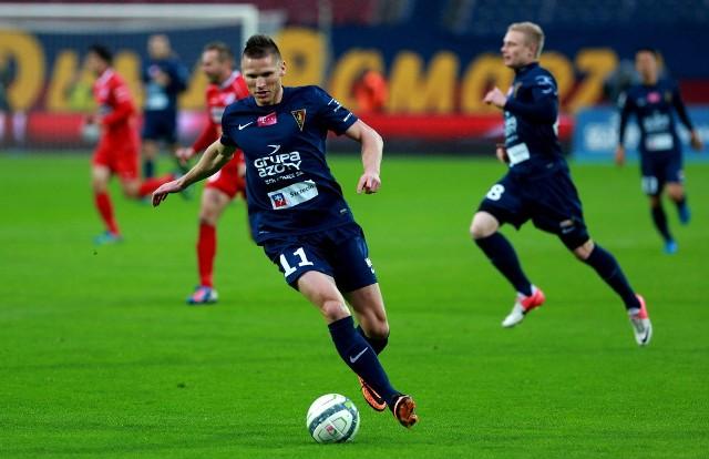 Marcin Robak (z piłką) utrzymuje wysoką formę.