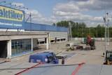 Praktiker w Katowicach jest rozbierany. Przy autostardzie A4 mają powstać biurowce, to inwestycja firmy Skanska