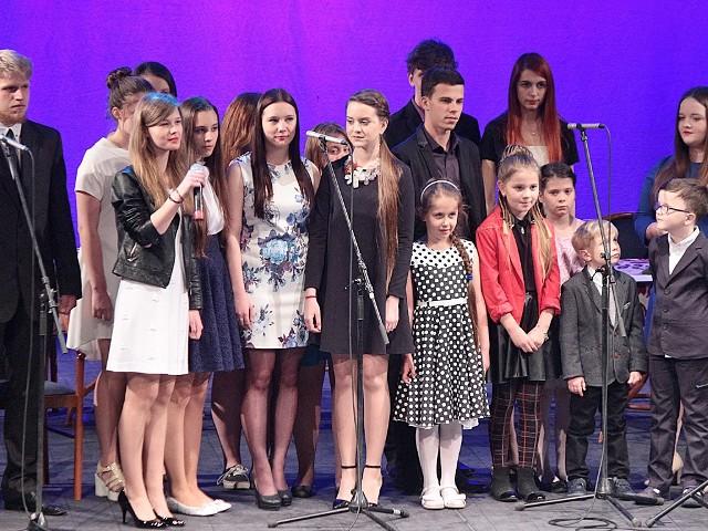 Koncert dla mam w grudziądzkim teatrzeW koncercie wystąpili słuchacze Studia Piosenki Zbigniewa Poliszczuka