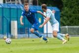 Lech II Poznań remisuje w zaległym meczu II ligi. Rezerwy w sobotę w derbach zagrają z drużyną prowadzoną przez piłkarza