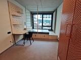 Oto BaseCamp w Katowicach. Tak wyglądają gotowe pokoje i patio w prywatnym akademiku na Paderewskiego