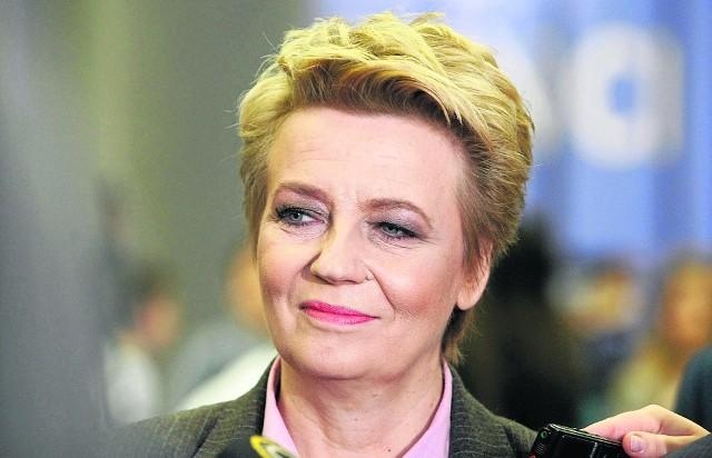 Prezydent Łodzi, Hanna Zdanowska, będzie miała od lipca niższą pensję, ale miejscy radni nie przyłożą do tego ręki. Zgodnie z opinią prawną, nie muszą głosować, bo uchwała jest systemowa