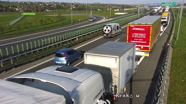 Wypadek na A4 pod Krakowem spowodował dziś duże utrudnienia w ruchu