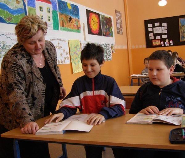 - Nikt nie zagwarantuje, że będziemy mieli dośc pieniędzy na prowadzenie szkół stowarzyszeniowych - mówi dyr. Danuta Rudnicka.