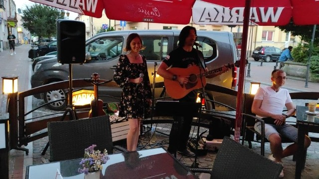 Darek Rączka i Anna Kolasa - Rączka koncertowali w sobotę w wareckiej  Galerii Rynek.
