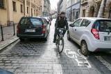Kierowcy i rowerzyści. Na czym polega metoda the Dutch Reach?