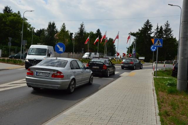 Droga wyjazdowa z Wieliczki jest ciasna i zatłoczona. Estakada jest tu niezbędna