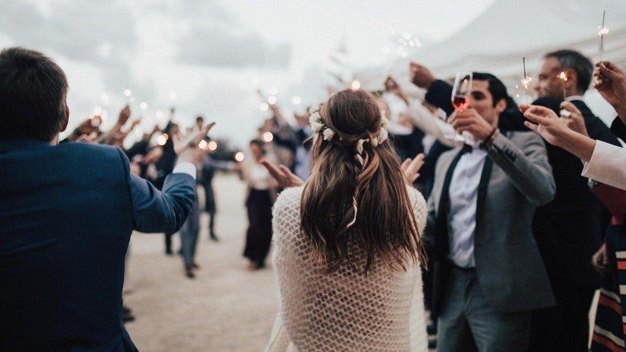 0ae8000b05 Ile dać w kopercie na wesele  Jaką kwotę przeznaczyć na prezent ślubny   (WYNIKI SONDY)