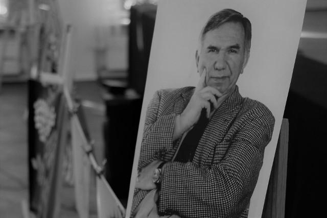 W naszej pamięci pozostaną występy Wojciecha Cyruliczka na bieżni, a także jego niecodzienne prace wyłącznie w tonacji czarno-białej