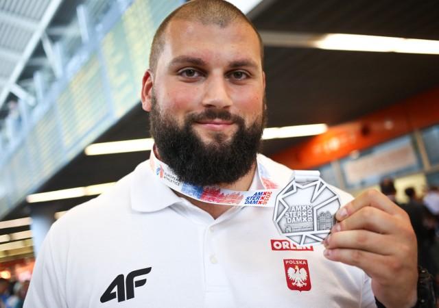 Polscy lekkoatleci na mistrzostwach Europy w Amsterdamie zdobyli 12 medali, w tym sześć złotych.