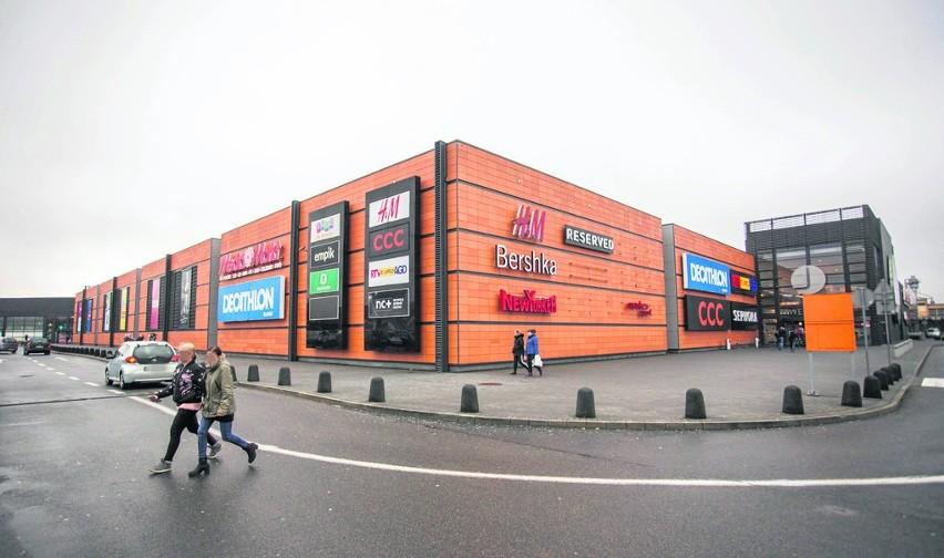 1d49540c Centrum Handlowe Jantar w Słupsku. Znikają sklepy sieciowe | Głos ...