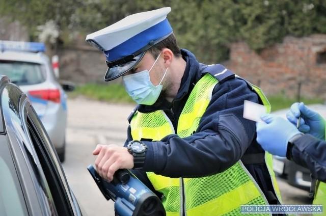"""Policyjna akcja """"Prędkość"""" na wrocławskich drogach."""