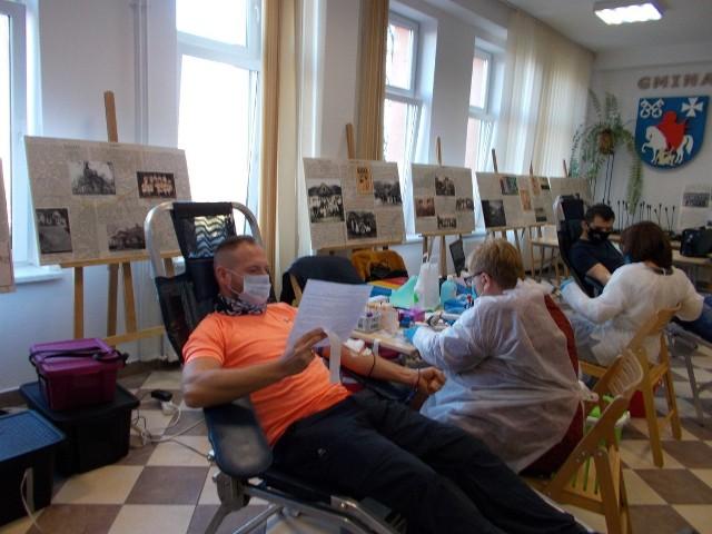 Blisko 23 litry krwi zebrano podczas mikołajowej akcji HDK, zorganizowanej w auli Urzędu Gminy Biskupice w Tomaszkowicach. Krew oddało ponad 50 osób