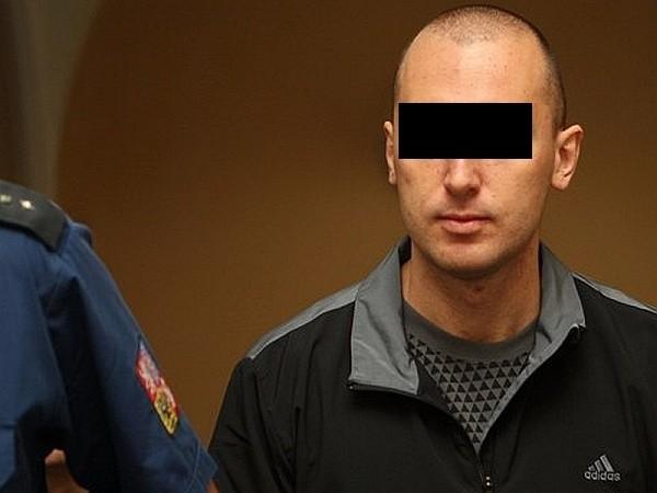 Artur Sławomir K. trafi na dwa lata do więzienia - podał czeski dziennik.
