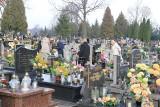 """Brzezinianin pracuje nad nowelizacją projektu ustawy dotyczącej pochówków. To pokłosie akcji """"Stop cmentarnemu wyzyskowi"""""""