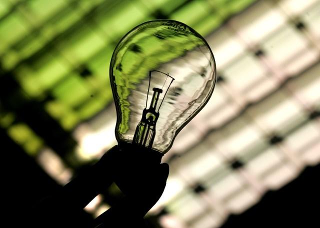 Wciąż nie ma przymusu wymiany starych żarówek na LED-owe