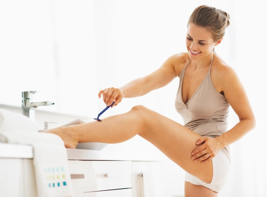 Usuwanie włosków za pomocą maszynki do golenia to metoda...