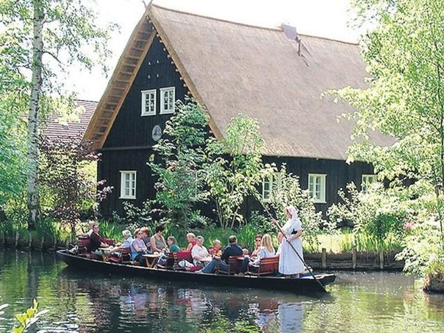 Spływ cołną to jedna z wakacyjnych atrakcji dla turystów.