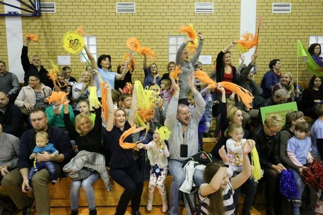 Na olimpiadzie przedszkolaków liczyła się przede wszystkim dobra zabawa. dlatego wszyscy uczestnicy otrzymali na koniec pamiątkowe medale i prezenty.
