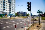 Przejście dla pieszych na Kaczorowskiego. Sygnalizacja świetlna już jest (zdjęcia)