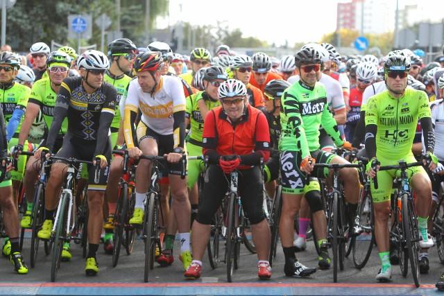 Tysiące miłośników jednośladów pojawiły się w niedzielę na ulicach Poznania na kolejnej edycji Skoda Bike Challenge. Rowerzyści rywalizowali na kilku dystansach.Zobaczcie, jak ich zmagania wyglądały w naszym obiektywie.Kolejne zdjęcie --->