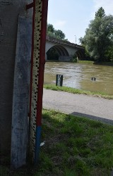 Deszcz dał o sobie zapomnieć tylko na trzy dni, a wody w rzekach Małopolski zachodniej nie ubyło [ZDJĘCIA]