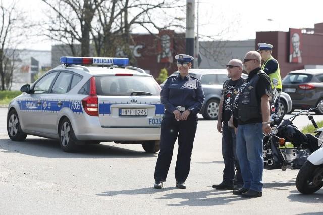 Akcja łódzkich policjantów i motocyklistów. Patrz w lusterka, motocykle są wszędzie