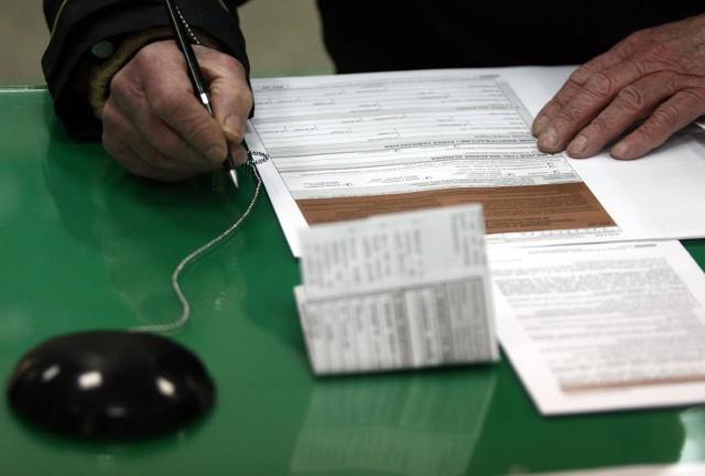 Jeśli w 2011 roku pracowałeś w Polsce i za granicą, musisz rozliczyć przez polskim fiskusem. Masz na to czas do 30 kwietnia.