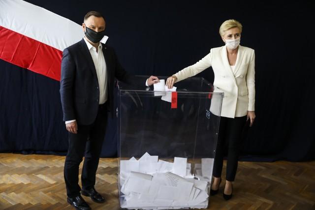 Andrzej Duda podczas głosowania