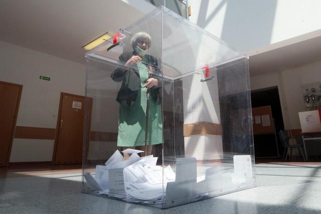 W powiecie wąbrzeskim podczas drugiej tury wyborów prezydenckich w 2020 r. zagłosowało więcej osób niż do tej samej godziny dwa tygodnie wcześniej