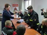 Pulsoksymetry dla strażaków z Państwowej Straży Pożarnej w Ostrowcu i 12 jednostek ochotniczych
