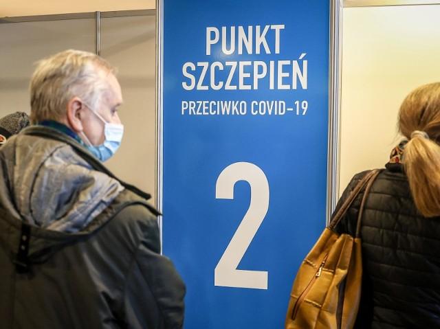 Już 100 tys. nauczycieli wyraziło chęć zaszczepienia się przeciwko Covid-19