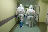 Trzeba było zwiększyć liczbę łóżek w szpitalu tymczasowym i przy Fieldorfa