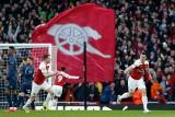 Piękny gol w angielskim hicie (WIDEO). Arsenal prowadzi z Manchesterem United