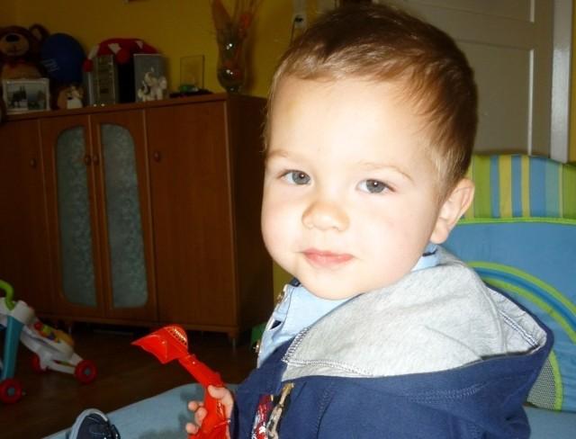 Chory na białaczkę 2-letni Filip Olejnik z Kujakowic Górnych