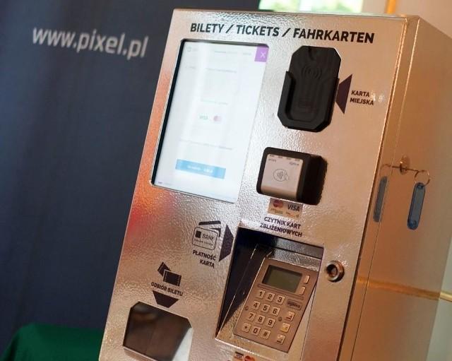 Tak mają wyglądać biletomaty z tym, że nie będzie klawiatury z cyframi, bo płacić mamy zbliżeniowo.