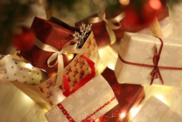 prezent na Boże Narodzenie dla kobiety, z którą właśnie się spotykasz