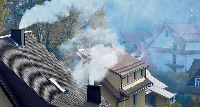 Badacze z AGH odnotowali 700 mikrogramów pyłu na metr sześcienny w Rabce