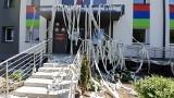 Atak na sanepid w Rybniku. Budynek w papierze toaletowym, do środka wrzucono zdechłą rybę, obraźliwe wpisy o kolaborantach SS na Facebooku