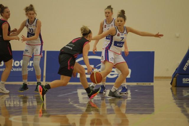 Alicja Szloser (nr 7) zdobyła w środowym meczu 14 punktów dla Enei AZS