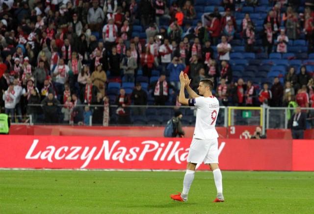 Po meczu z Portugalią entuzjazm kibiców znacznie opadł. Obiecujący remis z Włochami miał być dobrym początkiem w ramach Ligi Narodów. Zamiast tego dostali oni więcej pytań niż odpowiedzi. Co zawiodło w czwartkowym spotkaniu z mistrzami Europy? Oto 7 grzechów głównych występu Polaków.