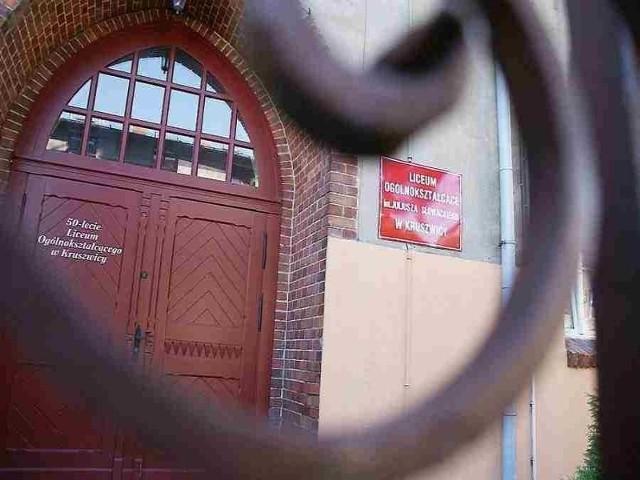 Władze gminy chcą, by szkołę przejęła gmina.