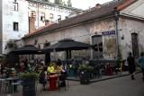 Kraków. Koniec Dolnych Młynów jakie znamy, coraz bliżej. Dwa budynki do przerobienia na handlowo-biurowe